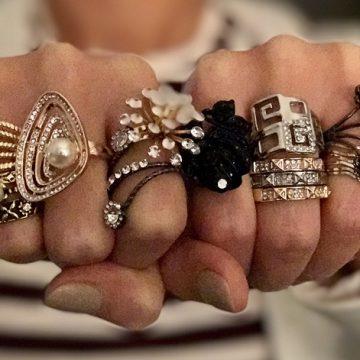 Trendfigyelő: Pénztárcabarát gyűrűk és turbánok őszre
